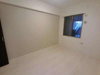 4.7帖の洋室です。 子供部屋やワークスペースとしても活用できます。