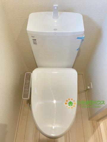 温水洗浄便座付きトイレを完備しております。