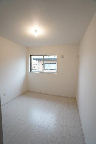 5.2帖 白い壁でお部屋が明るい印象に!