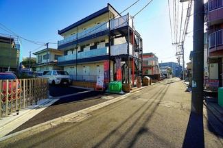 駅までのフラットなアプローチ♪ 生活施設も充実の住みやすいい環境です!