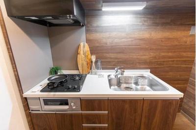 収納スペース豊富で使い勝手の良さそうなキッチンです。