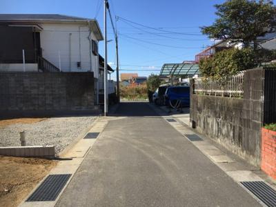 【前面道路含む現地写真】東城山町 4LDK