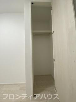 1階洋室5.0帖収納