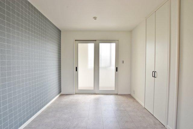 -同社施工例- クロスや居室ドアのひと工夫で戸建は一段とオシャレになります。