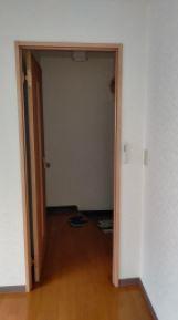 洋室から玄関