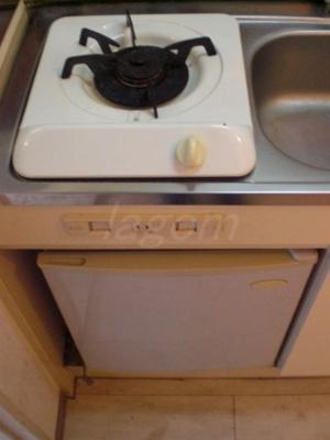 1口ガスコンロ。ミニ冷蔵庫付き