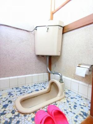 人気のバス・トイレ別です!窓のあるトイレで換気もOK☆嫌なニオイがこもりません♪