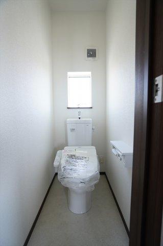 2階 シャワー付トイレです。
