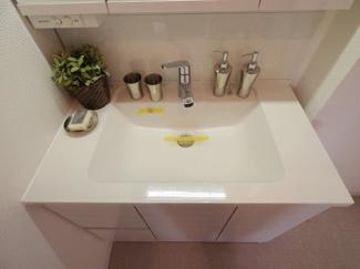 独立洗面台は洗面台はクリーニング済なのでそのまま気持ちよくご利用いただけます。