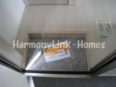 ハーモニーテラス根岸Ⅱの玄関(別部屋参考写真)