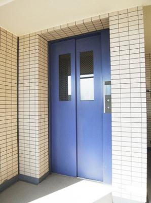 メゾン・ド・ヴィレ日本橋中洲のエレベーターです。