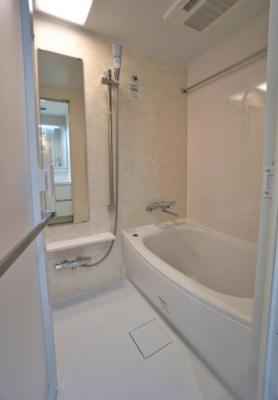 メゾン・ド・ヴィレ日本橋中洲のお風呂です。 浴室乾燥機付き。