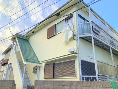 下高井戸駅徒歩4分の近さですが、とても閑静な住宅街。周辺には高い建物はありません。