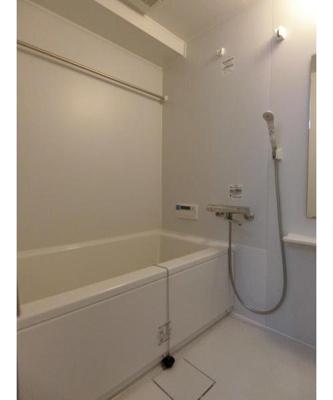 追焚機能と浴室乾燥機機能付きです。