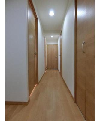 各お部屋に通じる廊下部分です。