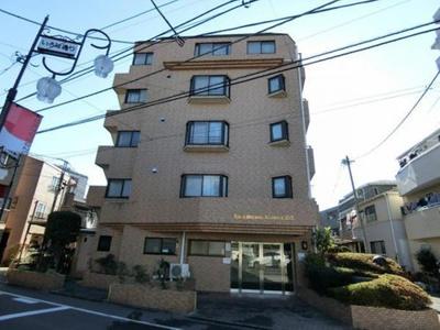 鉄筋コンクリート造地上5階建、総戸数29戸のマンションです。