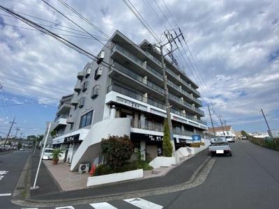小田急線「栗平」駅より徒歩1分の好立地♪6階建てマンションの2階部分です♪店舗や事務所として利用できます◎