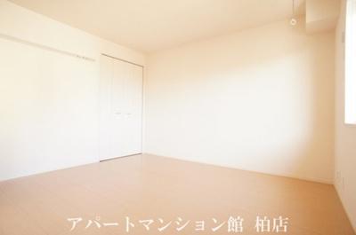 【寝室】ラ・フルール B