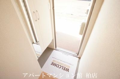 【玄関】ラ・フルール B