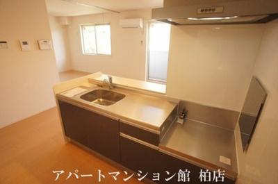 【キッチン】ラ・フルール B