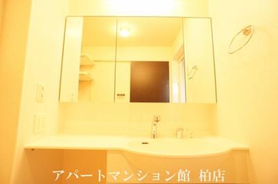【独立洗面台】ラ・フルール B