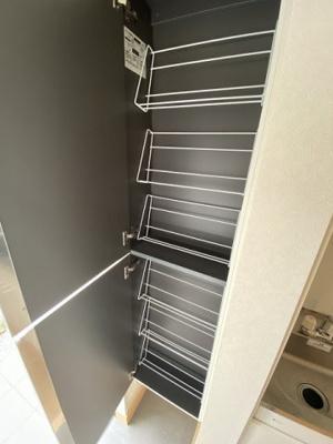 ロフトからの景観です!天井が高く開放感のある洋室5.5帖のお部屋です☆