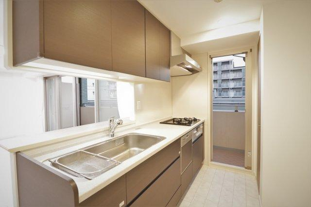 使いやすいキッチンです 食器洗い乾燥機付きです