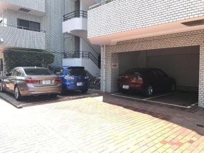 駐車場です。空き状況はお問い合わせ下さい。