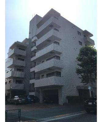 大江戸線「若松河田」駅と東西線「早稲田」駅の2駅2路線利用できる立地。