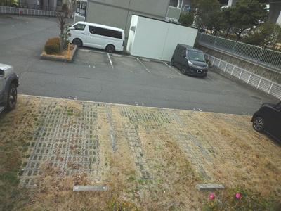 【駐車場】ルーチェ1番館