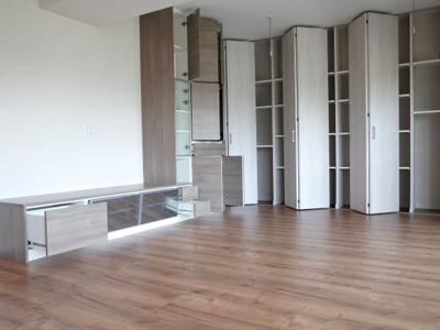 リビングと北側洋室にはホステルを設置。室内干しに。
