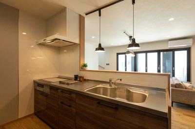 【キッチン】昭和町河西建売住宅「LAGUNA BOX」