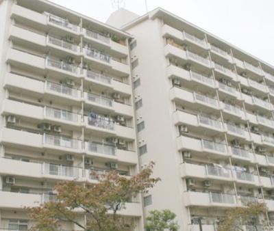 7階部分南向きバルコニーにつき陽当たり・通風良好なお住まい。
