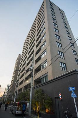 東京メトロ「稲荷町」駅徒歩約1分の便利な立地。