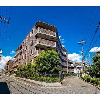 東急多摩川線「武蔵新田」駅から徒歩約9分、通勤通学に便利な立地。