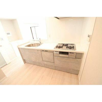 ビルトイン食洗機付きで快適な暮らしをサポートしてくれます。