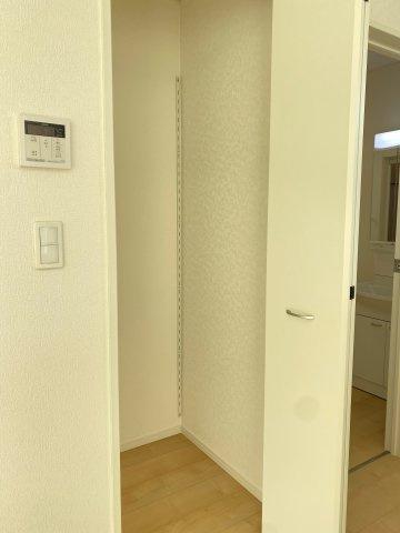 【居間・リビング】新築一戸建て「小田原市小台第13(Ⅱ期)」全6棟/残4棟