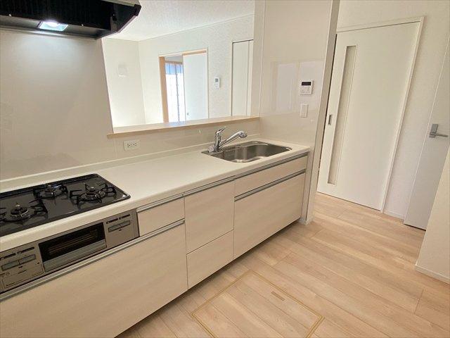 【キッチン】新築一戸建て「南足柄市沼田第9」全2棟/残2棟