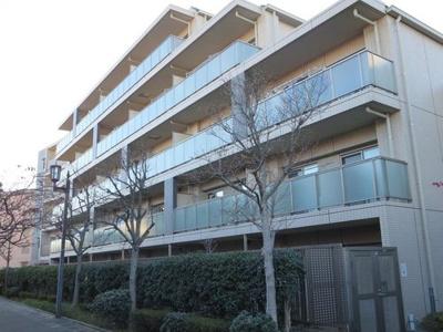 つくばエクスプレス「青井」駅徒歩約6分と便利な立地です。