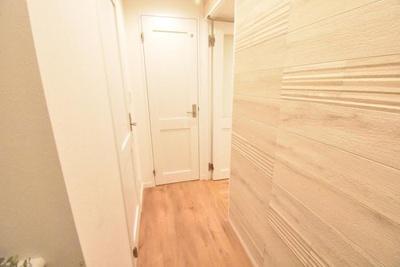 玄関スペースです。右手奥がリビングの入口です。