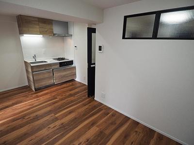 壁付タイプのキッチンはお部屋を広く使えます。