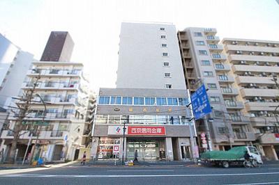 総戸数35戸、鉄骨鉄筋コンクリート造10階建てのマンションです。
