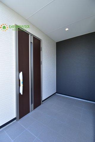 【玄関】鴻巣市堤町20-1期 新築一戸建て リナージュ 01
