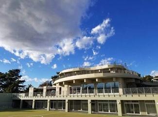 茅ヶ崎公園体験学習センター うみかぜテラスへも歩いていくことができます。