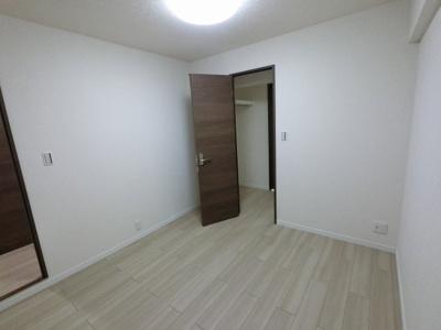 4.5帖の洋室です。 子供部屋やワークスペースとしても活用できます。
