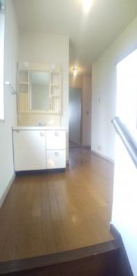 2階の洗面台です