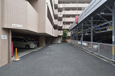 駐車場の空き状況等はお問い合わせ下さい。