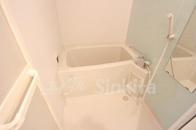 【浴室】モンリベルテ箕面