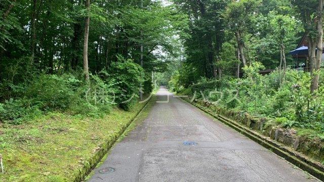 【前面道路含む現地写真】那須 ロイヤルバレー別荘地