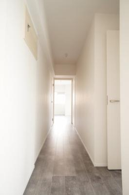 【収納豊富がポイント!】 お客様をお迎えする玄関は 収納も豊富ですっきりとした印象を与えてくれます!